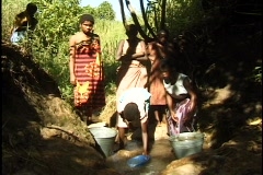 Children collect water in Malawi. Stock Footage