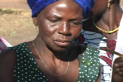 Togo, Africa: Woman weaves Stock Footage