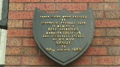 Bill shankly memorial plaques, liverpool football club Stock Footage
