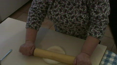 Jm036-rolling dough topping Stock Footage