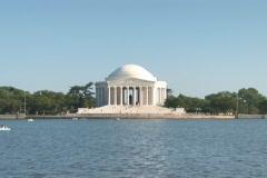 NTSC: Jefferson Memorial - zoom in - stock footage