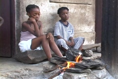 Sao Tome: Girls cook Stock Footage