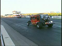 Motorsports, Drag racing! stagecoach dragster wheelstander flame show Stock Footage