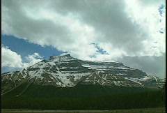Mountain above peyto lake Stock Footage