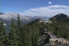 Sulphur Mt Lookout pan to Mt Rundle Stock Footage