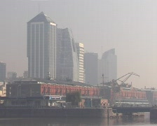 Smog in the city Stock Footage
