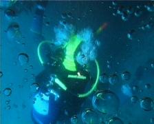 Diver bubbles (D065) Stock Footage