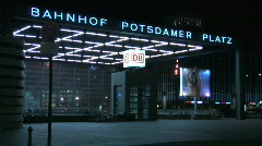 Berlin potsdamerplatz night zoom Stock Footage