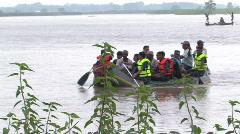 India/Nepal: Flood shots Stock Footage