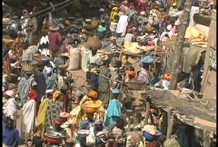 Djenne crowded maret Stock Footage