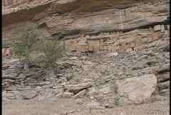 Pans Dogon cliff face Stock Footage