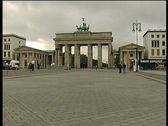 Berlin wall branderburg door  Stock Footage