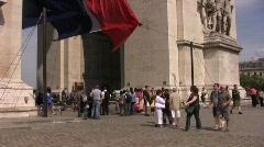 Paris streets 4 arc de triumph Stock Footage