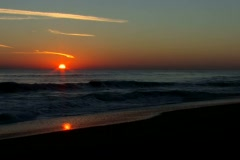Sunrise over the Florida Atlantic ocean surf with audio Stock Footage