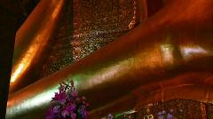 Reclining Buddha, Bangkok, Thailand (tilt) Stock Footage
