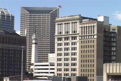 Toimistorakennukset nousta Downtown Indianapolis. Arkistovideo