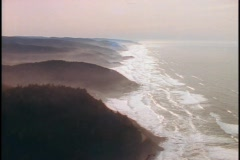 Tides roll into coves along the coastline of Northwest America. Stock Footage