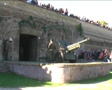 Cannon of the Gianicolo in Rome Stock Footage
