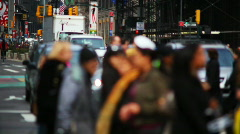 Shallow Focus NYC traffic cop and city life Stock Footage