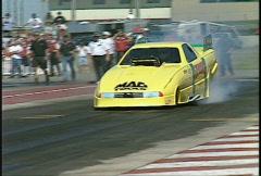 Motorsports, drag racing, Top alcohol funny car burnout Stock Footage