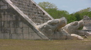 Maya temples at Chichen Itza Stock Footage
