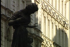 Vienna Statue and walkway Stock Footage
