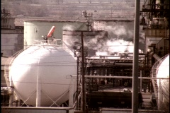 Kuwait oil refinery 4 Stock Footage