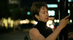 Night woman on cell Stock Footage