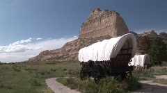 P00240 Pioneer Wagons at Scotts Bluff National Monument Stock Footage