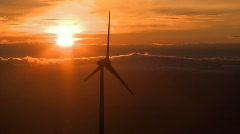 Tuulivoimaloiden auringonlaskun Arkistovideo