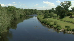 River Tees at Piercebridge on a summers day pan to George Hotel Stock Footage