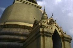 Bangkok Gilded pagoda Wat Pra Keo Stock Footage