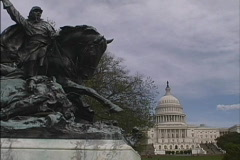 Civil War statue & Capitol Stock Footage