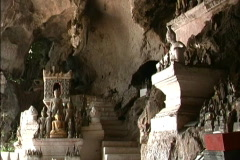 Laos Buddhas in Pak Ou caves  Stock Footage
