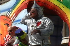 Mardi Gras New Orleans Wizard of Oz float Stock Footage