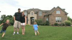 Perhe ja Luxury Home 1 Arkistovideo