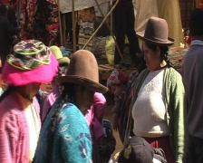 Sunday market in Pisac  Stock Footage