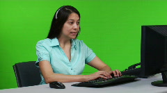 Young business woman on headset - dolly shot Stock Footage