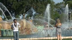 Buckingham Fountain Photo op Stock Footage