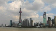 Time lapse of boats on the Yangtze River passing the Pudong district in Stock Footage