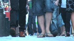 Gente andando pies Stock Footage