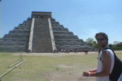 Chitzen-Itza-Yucatan-Peninsula-Mayan-Ruins-Echo Stock Footage