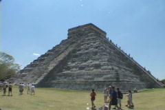 Chitzen-Itza-Yucatan-Peninsula-Mayan-Ruins-Pyramid-11 Stock Footage