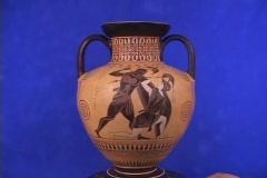 Black figure lekythos depicting battle at Troy between Hercules & Penthesilea, Stock Footage