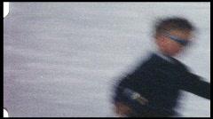 Boy hiihto (vintage 8 mm amatööri elokuva) Arkistovideo