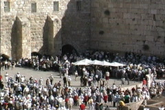Jerusalem Large crowds at Western Wall Stock Footage