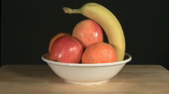 Dolly Zoom on bowl of fruits Stock Footage