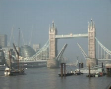 London Tower Bridge timelapse Stock Footage
