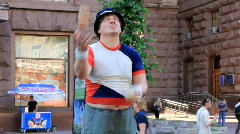 Street juggler Stock Footage