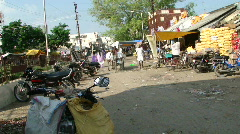Light traffic in a Hyderabad market Stock Footage